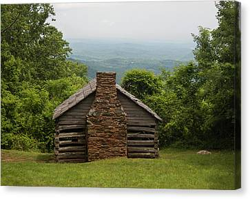 Trails Cabin At Smart View Loop On The Blue Ridge Parlway Canvas Print by Suzanne Gaff