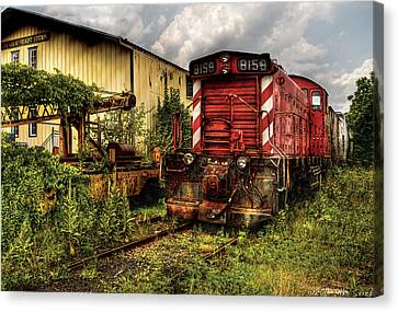 Train - Engine - 8159 Parked Canvas Print by Mike Savad
