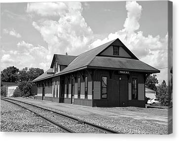 Train Station Tully New York Bw Canvas Print by Thomas Woolworth