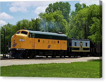 Trains Engine Northwestern 411 With Caboose 223 Canvas Print