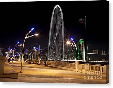 Trinity Sky Bridge In Downtown Dallas, Texas Canvas Print