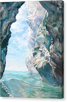 Trouee 2 Canvas Print by Muriel Dolemieux