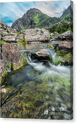 Tryfan In The Ogwen Valley Canvas Print by Adrian Evans