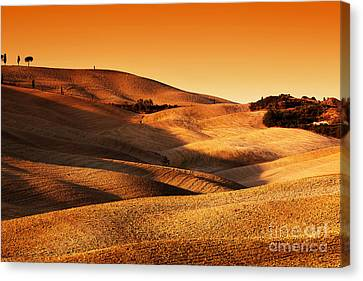 Tuscany, Italy Landscape At Sunset. Picturesque Hills With Lights And Shadows Canvas Print by Michal Bednarek