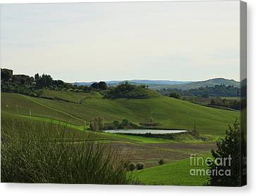 Tuscany's Countryside In Italy Canvas Print