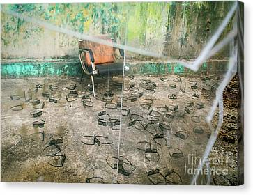 Canvas Print featuring the photograph Twenty Twenty by Dean Harte