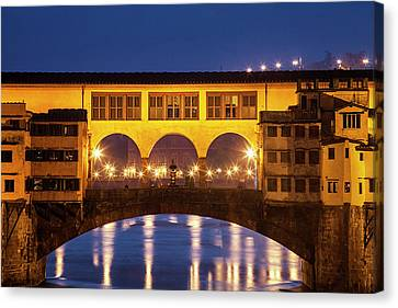 Canvas Print featuring the photograph Twilight Over The Ponte Vecchio by Andrew Soundarajan