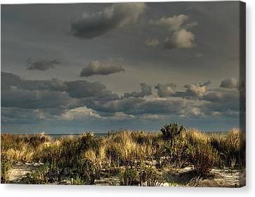 Ufo Inadvertent Canvas Print by Kevin  Sherf