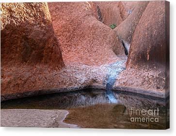 Canvas Print featuring the photograph Uluru 03 by Werner Padarin
