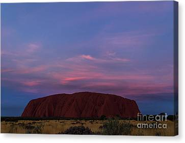 Canvas Print featuring the photograph Uluru Sunset 04 by Werner Padarin