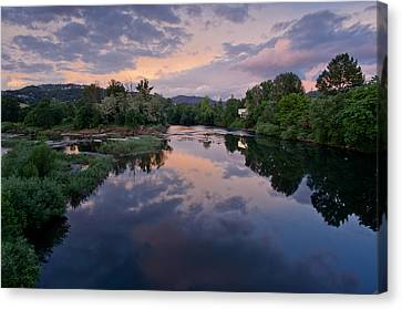 Umpqua River At Sunset Canvas Print by Greg Nyquist