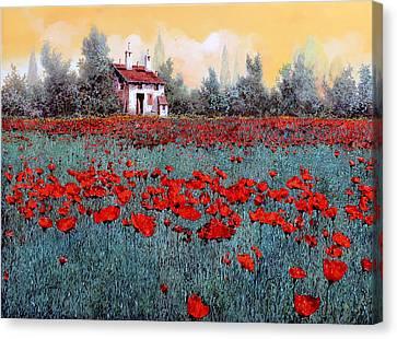 Un Campo Di Papaveri Canvas Print