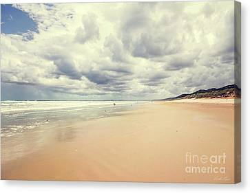 Under A Southern Sky Canvas Print by Linda Lees