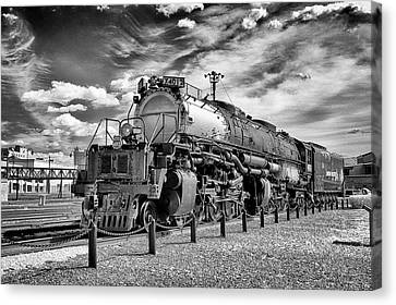 Canvas Print featuring the photograph Union Pacific 4-8-8-4 Big Boy by Paul W Faust - Impressions of Light