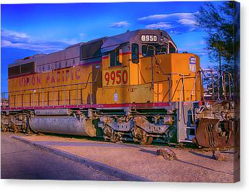 Union Pacific 9950 Canvas Print by Garry Gay