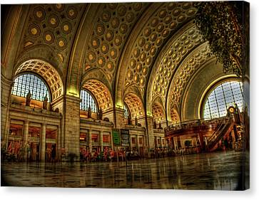 Union Station - Dc Canvas Print by Frank Garciarubio