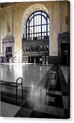 Union Stations Entrance Canvas Print by Terry Davis