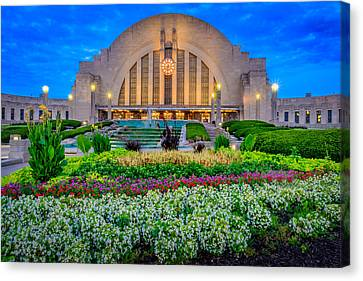 Union Terminal At Sunrise Canvas Print