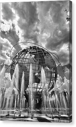 Unisphere And Fountains Flushing Meadow Park Nyc Canvas Print by Robert Ullmann