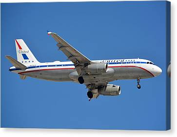 United Airlines Airbus A320 Friend Ship N475ua Sky Harbor March 24 2015 Canvas Print by Brian Lockett