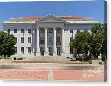 University Of California Berkeley Historic Sproul Hall At Sproul Plaza Dsc4083 Canvas Print by Wingsdomain Art and Photography