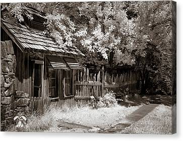 Canvas Print - Upscale Chickenhouse by James Barber