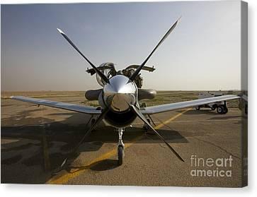 U.s. Air Force Pilots Run Pre-flight Canvas Print by Terry Moore