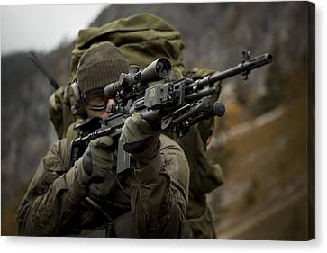 U.s. Special Forces Soldier Armed Canvas Print by Tom Weber