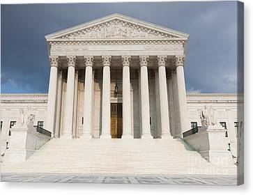 Us Supreme Court Building V Canvas Print by Clarence Holmes