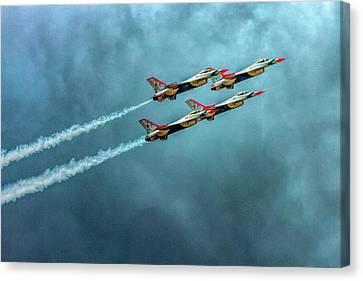 Usaf Thunderbirds Canvas Print by Bill Gallagher
