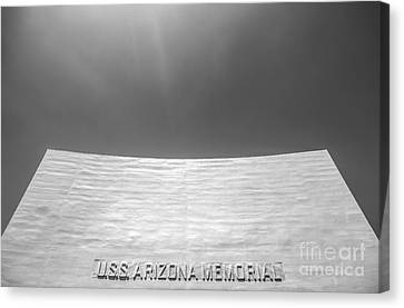 Uss Arizona Memorial In Black And White Canvas Print by Diane Diederich