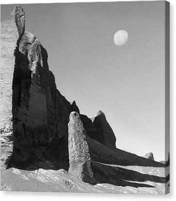 Utah Outback 32 Canvas Print by Mike McGlothlen