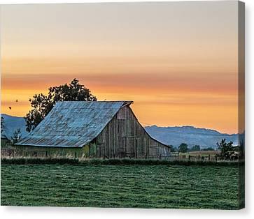 Canvas Print - Vaca Barn by Bill Gallagher