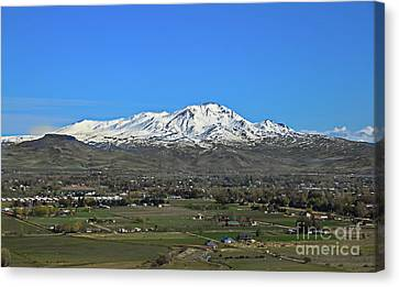 Valley Of Plenty Canvas Print by Robert Bales
