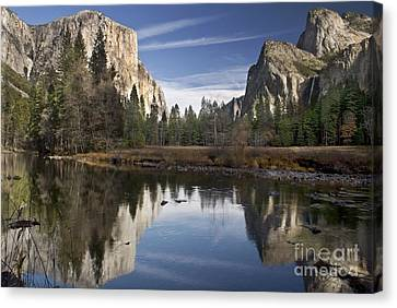 Valley View Reflection Canvas Print