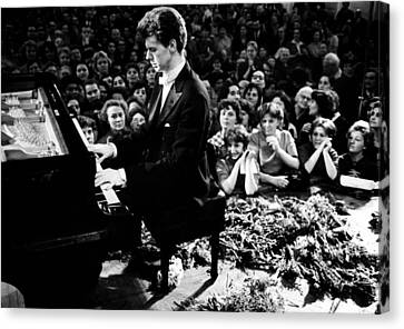 Van Cliburn Is The First Foreigner Canvas Print by Everett