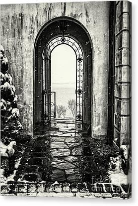 Vanderbilt Doorway In Centerport Canvas Print