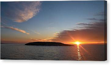 Canvas Print featuring the photograph Variations Of Sunsets At Gulf Of Bothnia 3 by Jouko Lehto