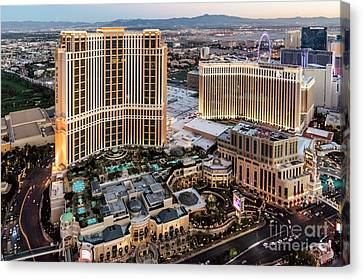 Venetian And Palazzo Hotels, Las Vegas Canvas Print by Sv