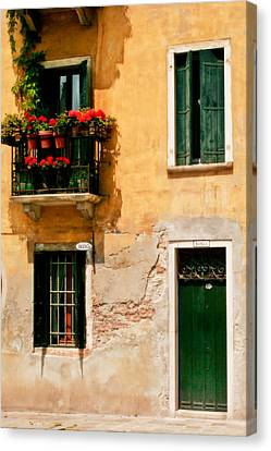 Venice Home Canvas Print by Carl Jackson