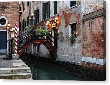 Venice Italy - The Cheerful Christmassy Restaurant Entrance Bridge Canvas Print by Georgia Mizuleva