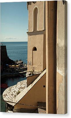 Vernazza 1 Canvas Print by Art Ferrier
