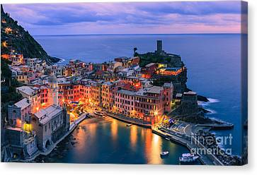 Vernazza Is One Of The Five Towns That Make Up The Cinque Terre  Canvas Print by Henk Meijer Photography