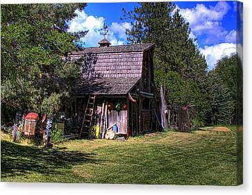 Vic Moore's Barn Canvas Print by David Patterson