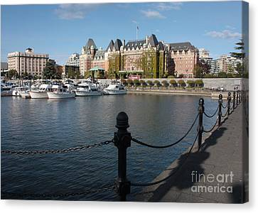 Victoria Harbour With Railing Canvas Print by Carol Groenen