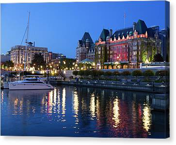 Victoria Lights Canvas Print