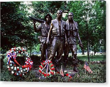 Vietnam Veterans Memorial  Canvas Print by Thomas R Fletcher