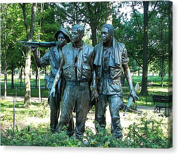 Vietnam War Memorial Statue Canvas Print by Daniel Hebard