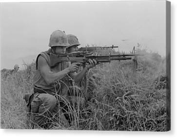 Tntar Canvas Print - Vietnam War. Us Marine Machine Gunner by Everett