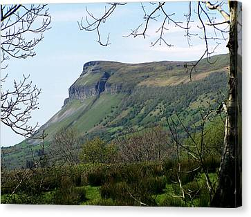 View Of Benbulben From Glencar Lake Ireland Canvas Print by Teresa Mucha